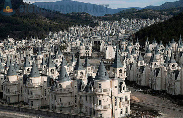 A ghost town of abandoned hundreds 'fairytale castles' in Turkey