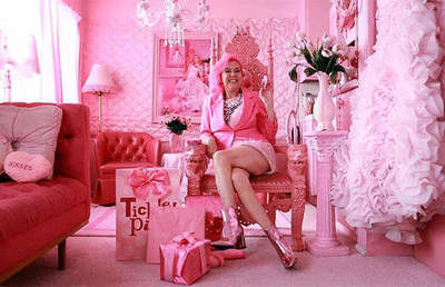52-year-old woman recognized as the pink person in the world