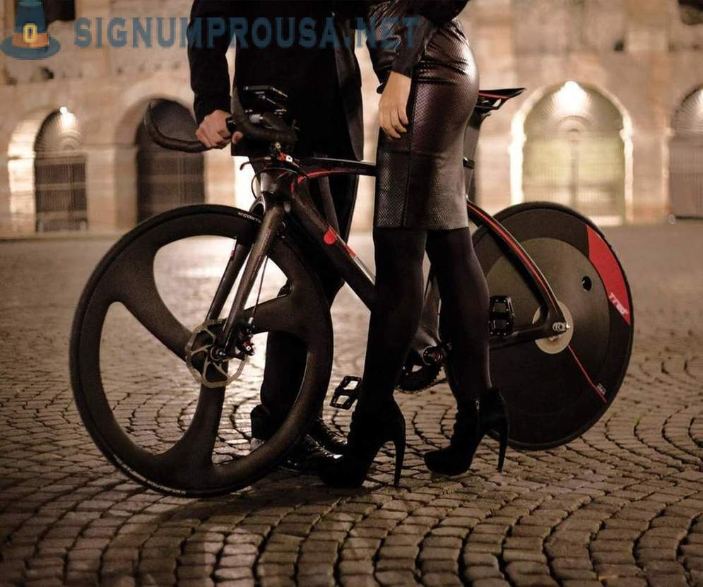 A bike that accelerates to 30 km / h in three presses on the pedal