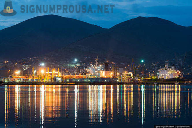 Novorossiysk sea port - the largest Russian port